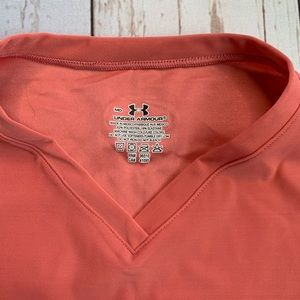 Under Armour Tops - Under Armour Women's Coral Short Sleeve Shirt